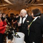 Ingrid Mahnič predstavlja vina kleti Mahnič Evi Štravs Podlogar in Ivanu Peršolji